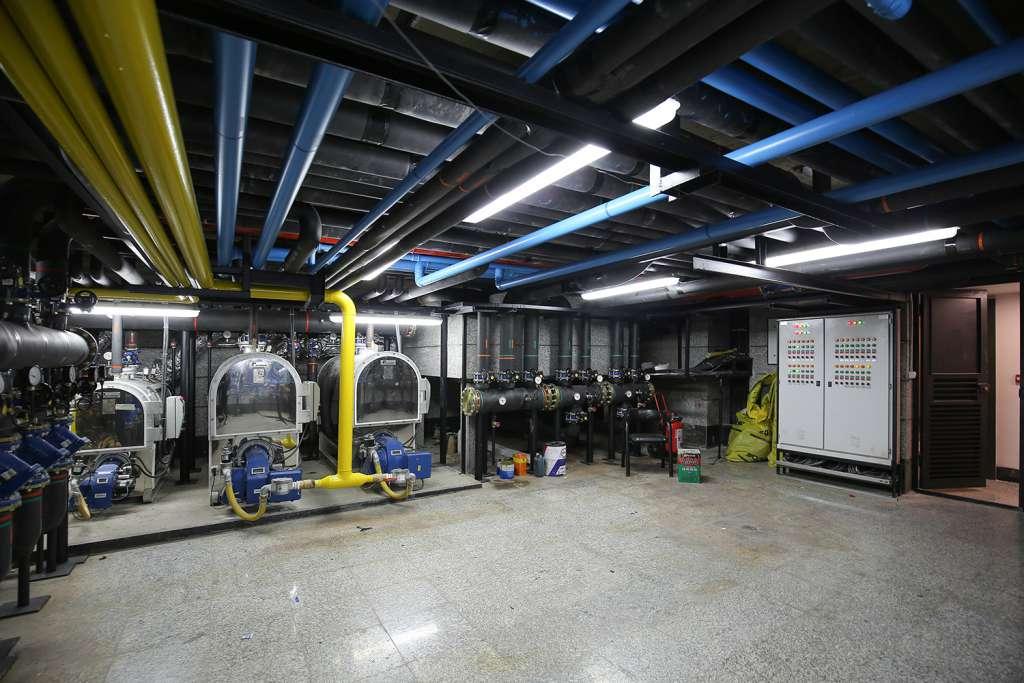 تصویری از موتورخانه پروژه